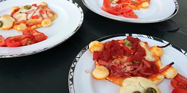 Maman nougatine cuisine nos p 39 tites pizzas en forme de for Maman cuisine x