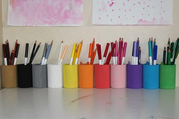 maman nougatine diy les pots crayons fa on montessori maman nougatine. Black Bedroom Furniture Sets. Home Design Ideas