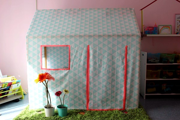 maman nougatine diy la petite cabane en bois et tissu maman nougatine. Black Bedroom Furniture Sets. Home Design Ideas