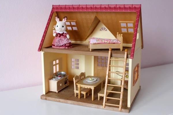 maman nougatine jouer et imaginer avec les sylvanian families maman nougatine. Black Bedroom Furniture Sets. Home Design Ideas