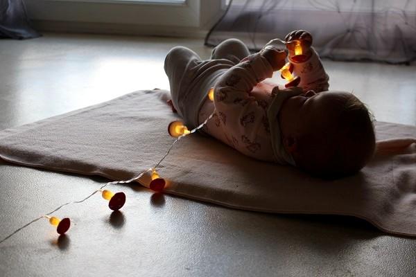 Maman Nougatine La guirlande lumineuse [éveil sensoriel pour ...