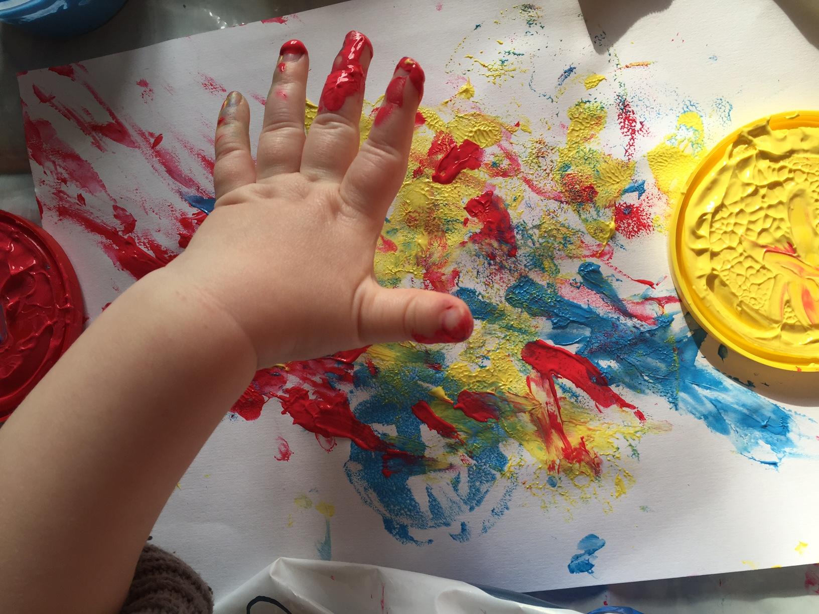 """Résultat de recherche d'images pour """"peinture avec les doigts bébé"""""""